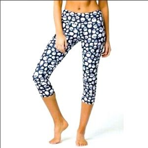 Yas Yoga and Sportswear Skulls Crop Leggings Sz S